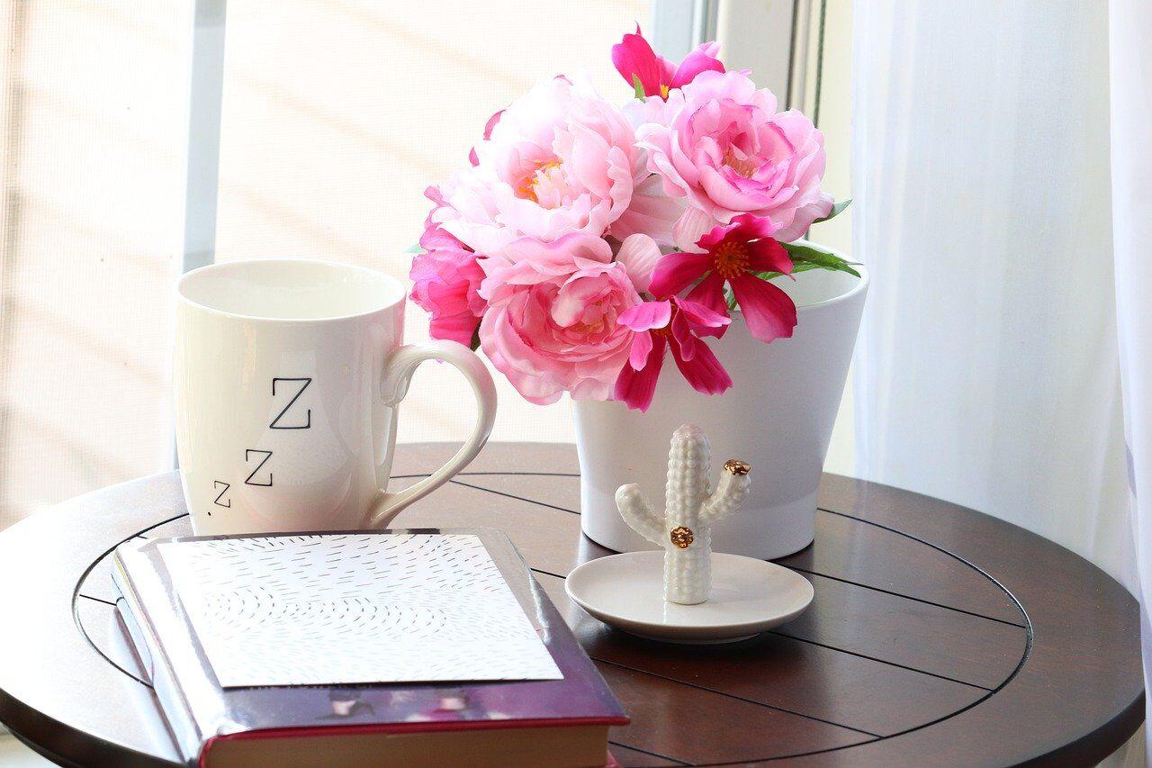 Zの文字が書かれた花瓶