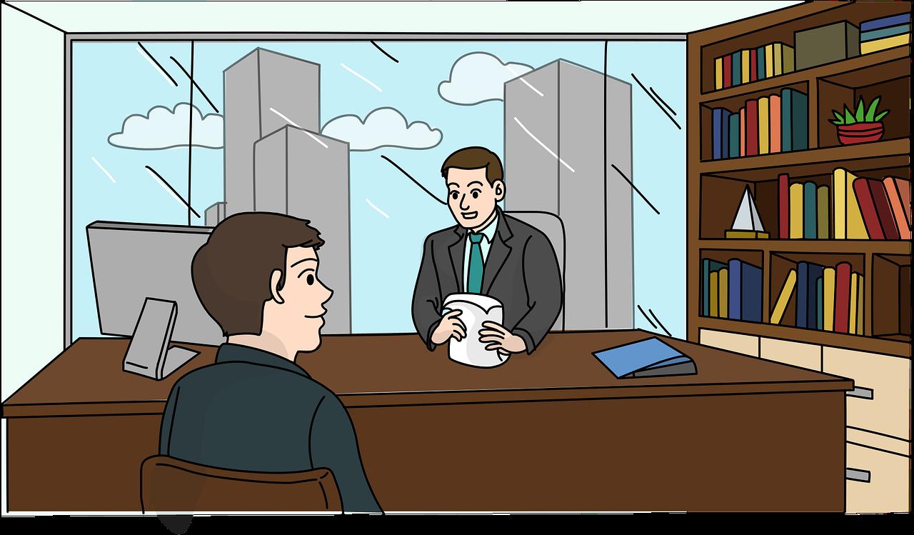 面接官とインタビューを受ける男性