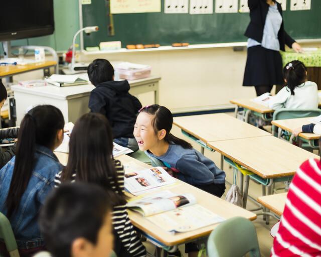 小学校の生徒たち